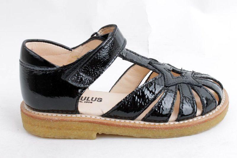 c00e84025214 Køb ANGULUS SANDAL I SORT LAK Her - Salg af Pige sandaler