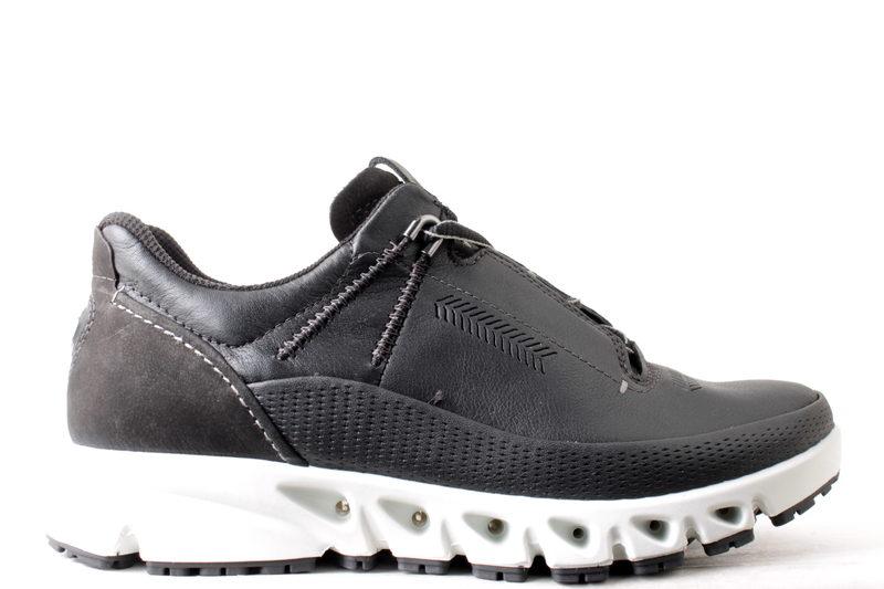 88093940 Køb ECCO OMNI-VENT SORT Her - Salg af Sneakers til kvinder