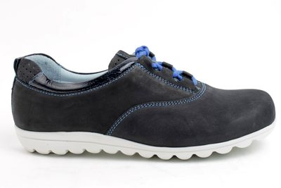 2e284b87f452 Find every shop in the world selling comfort snøresko at PricePi.com