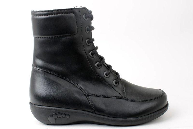 fd5b8433a223 Køb NEW FEET STØVLE I GLAT SKIND Her - Salg af Vinterstøvler til kvinder