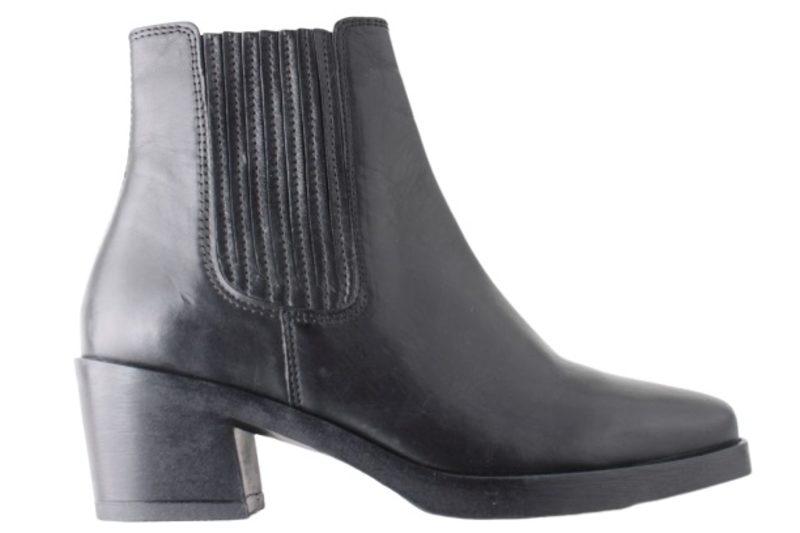 salg af ROOTS BLACK